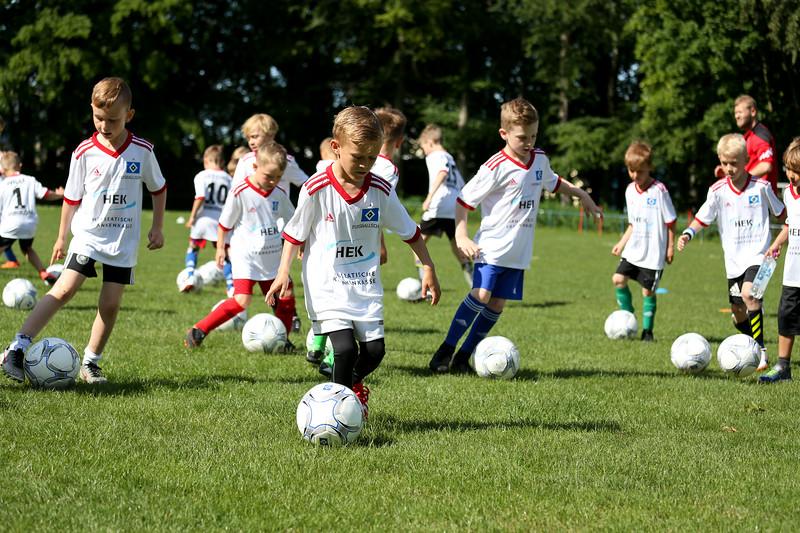 hsv_fussballschule-020_48048028297_o.jpg