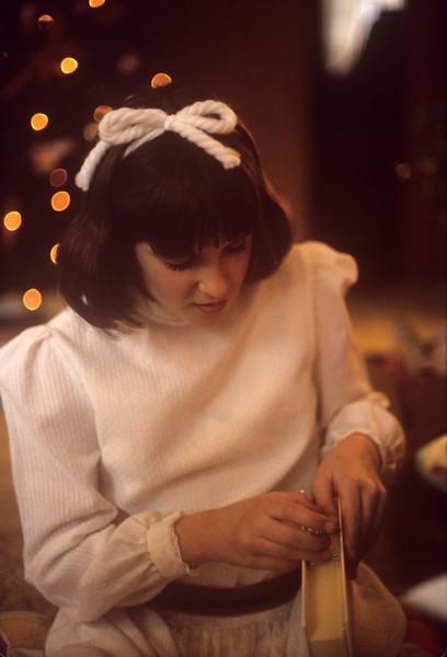1975-12 Gretchen Schnitzer at Christmas.jpg