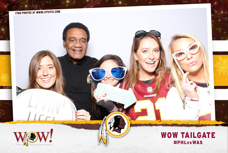 washington-redskins-philadelphia-eagles-wow-fedex-photo-booth-20181230-024723.jpg
