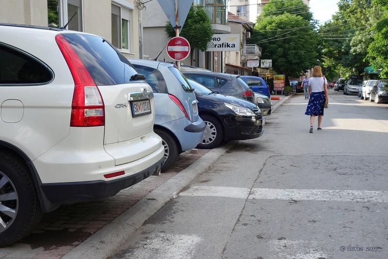 02 Skopje, sidewalk or parking.jpg