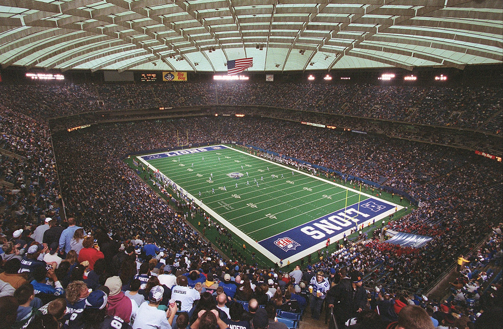 . The Detroit Lions kick off to the Dallas Cowboys at the start of their last game at the Pontiac Silverdome Sunday January 6, 2002. The Lions went on to beat the Cowboys 15-10, ending the season with a 2-14 record