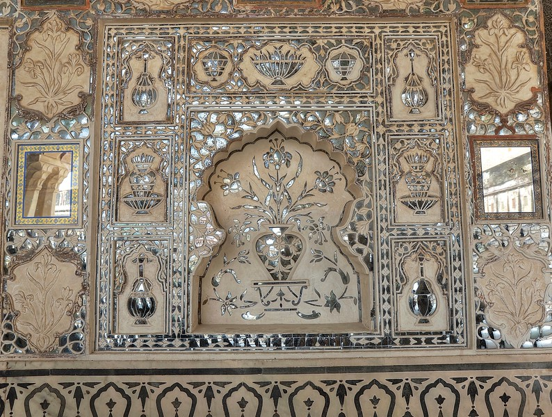 Sheesh Mahal was built by King Man Singh in 16th century and completed in 1727