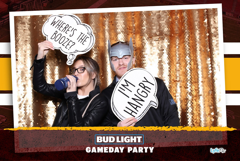 washington-redskins-philadelphia-eagles-football-bud-light-photobooth-20181203-215808.jpg