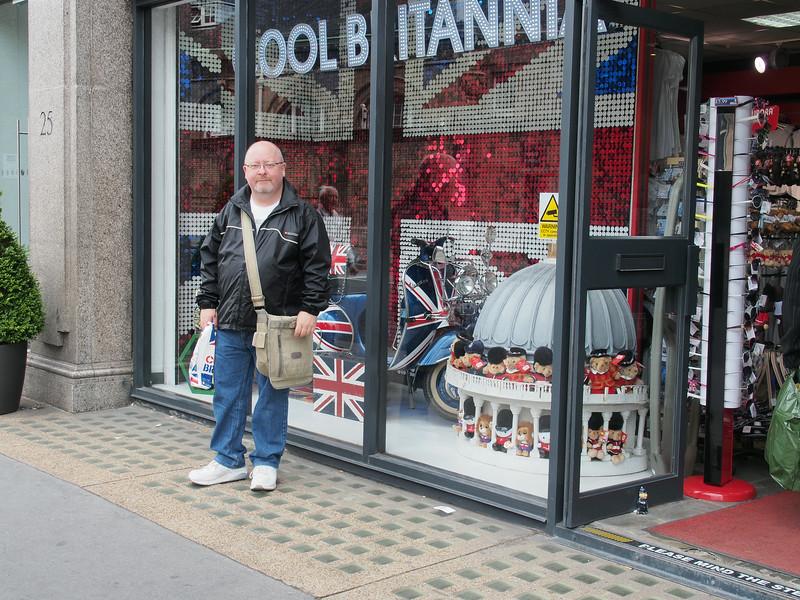 June 23/13 - Shopping at Cool Britannia store, 25-27 Buckingham Palace Road