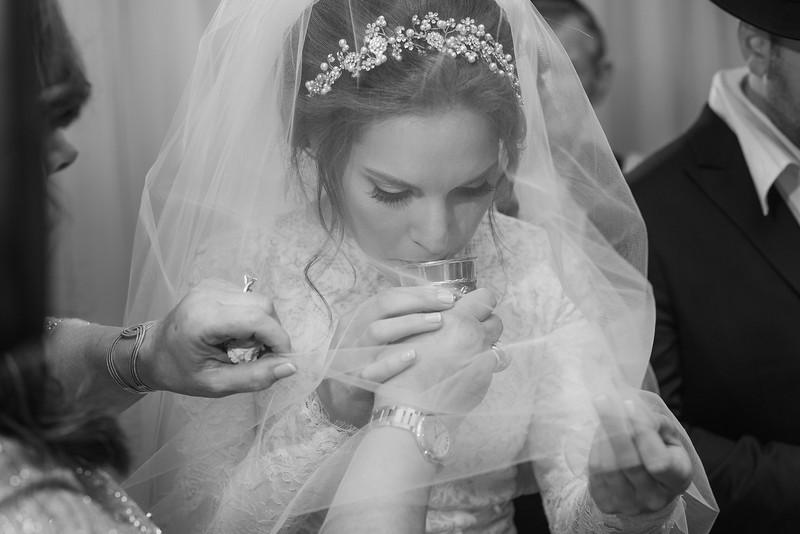Miri_Chayim_Wedding_BW-576.jpg