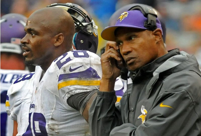 ". <p><b> The Vikings are winless in two games, but fans expect them to turn things around Sunday against Cleveland because � </b> <p> A. The Vikings are at home in the Metrodome  <p> B. Adrian Peterson is just getting warmed up  <p> C. Jason Campbell is an even worse quarterback than Brandon Weeden  <p><b><a href=\'http://sports.yahoo.com/news/weeden-injury-might-force-browns-204259682--nfl.html\' target=""_blank\"">HUH?</a></b> <p>    (Pioneer Press: Sherri LaRose-Chiglo)"