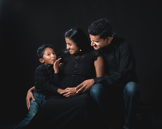 Indoor Maternity & Family Portraits  |  Anupama & Vijay