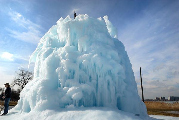 2/10/09 Belle Isle Ice Tree