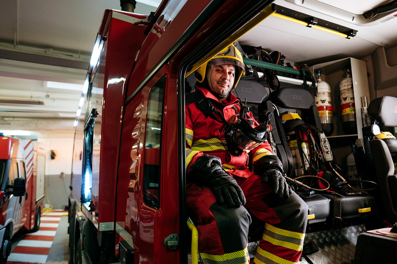 Alex Paonna, direct response crew (professional firefighters) in in a Proteus truck, in the firefighter hangar on the French side - Samuel Zeller for the New York Times
