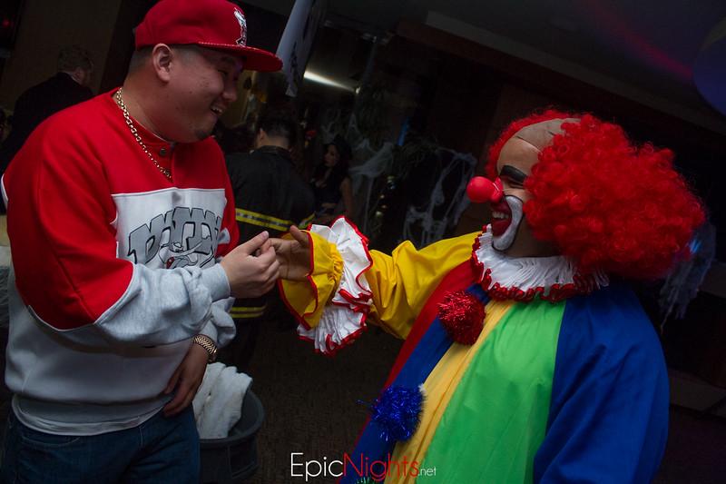 103013 Halloween Suite Party-6637.jpg