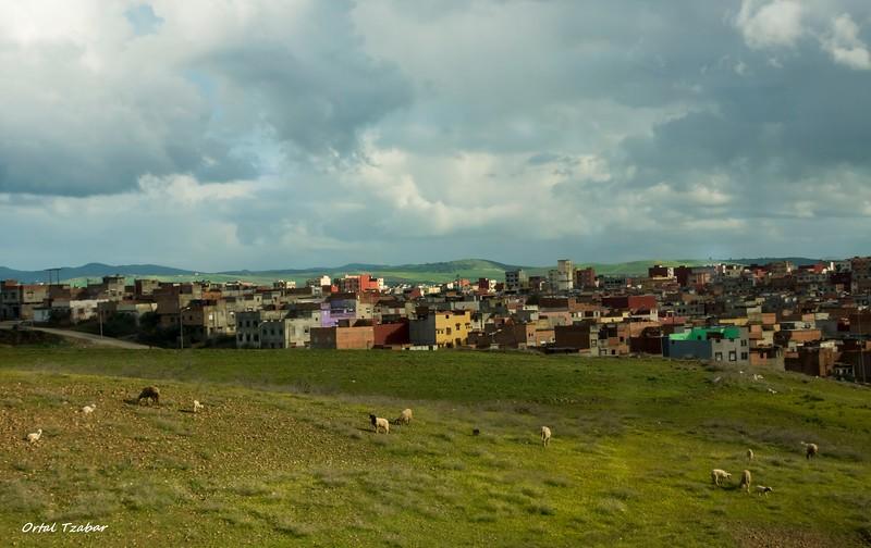 נוף בהרי האטלס.jpg