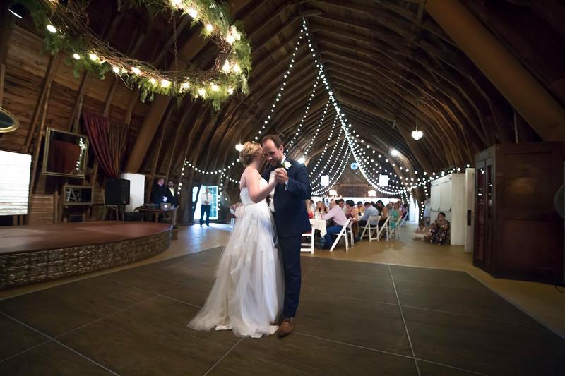 Garrett & Lisa Wedding (584).jpg