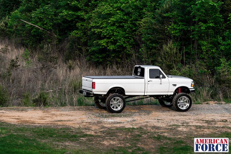 SDP-Kreg-O'Hara-White-1997-Ford-F250-24x12-Legend-@streetdieselperformance-170429-DSC05967-64.jpg