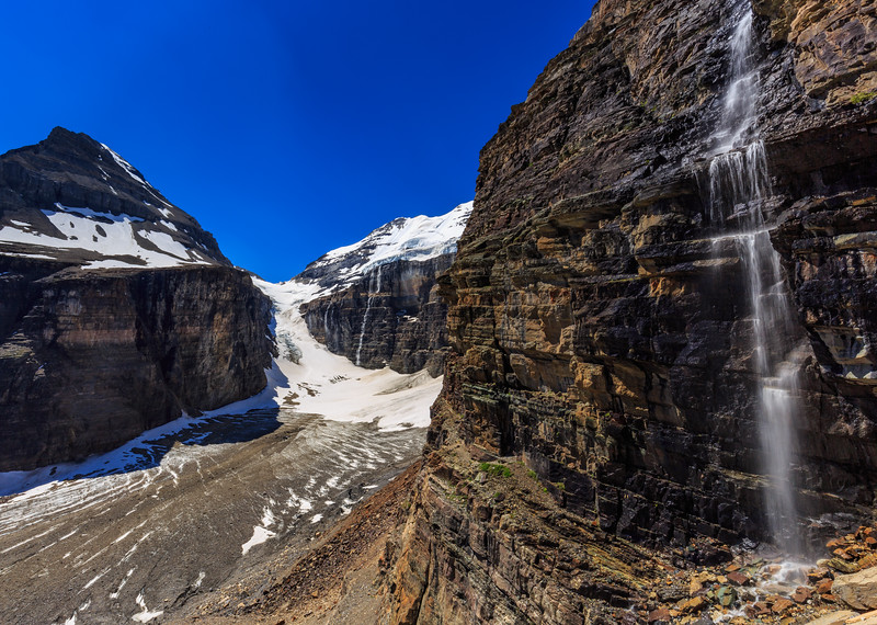 Falls Of The Great Divide