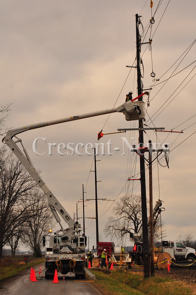 12-22-15 NEWS Pole Replacement on Huber Road