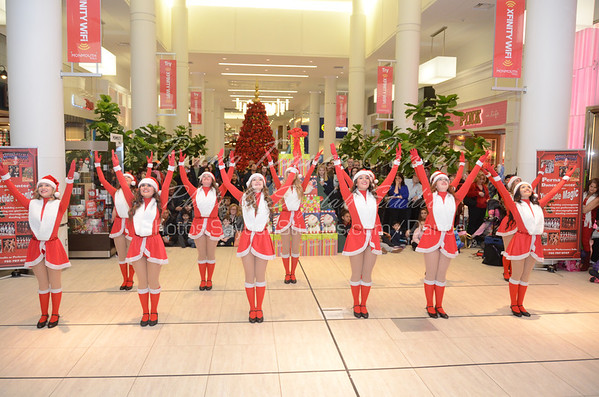 PDC Holiday Troupe Monmouth Mall 2013