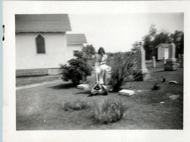 1942 Vivian.jpeg