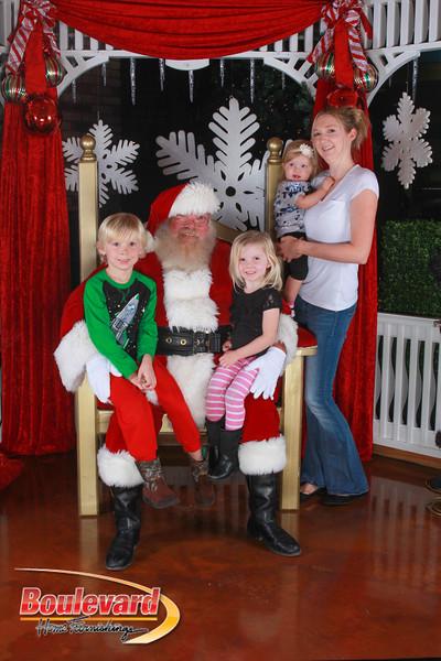 Santa 12-17-16-170.jpg