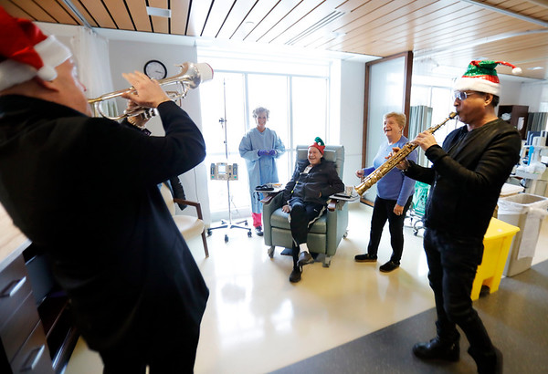 Musical Surprise at Hillcrest Cancer Center-120419