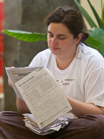 teachers protest grading papers at mall