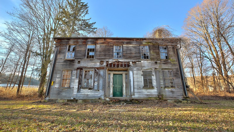Abandoned Decaying Old Farm NY (12)