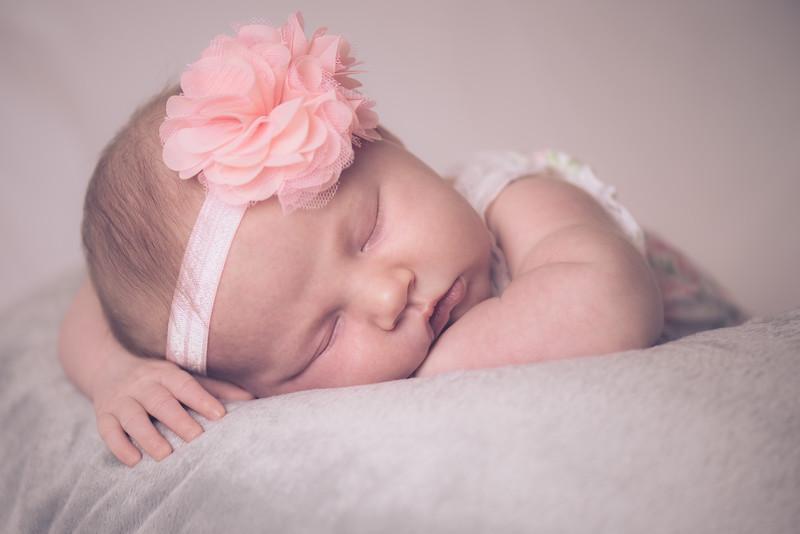 Addilyn Newborn 6/06/15