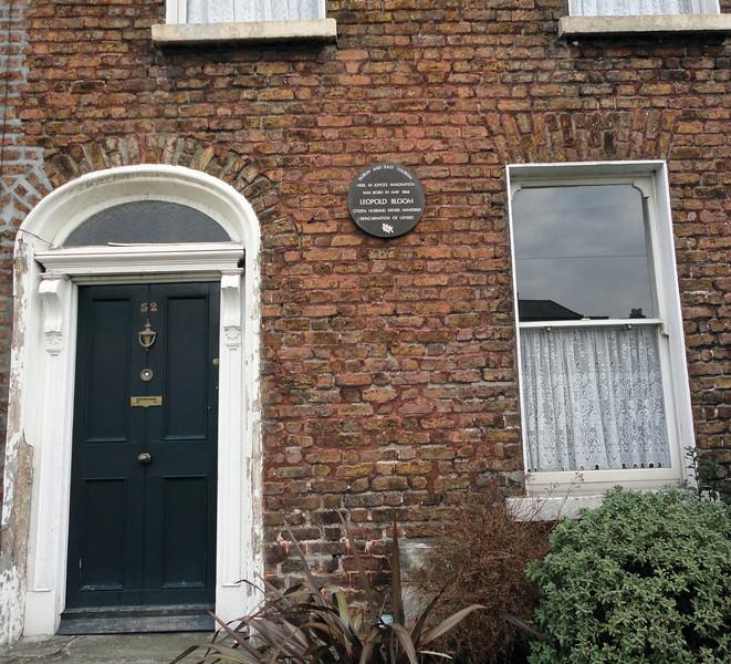 Wandering Dublin -- Bloom-town!