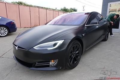Tesla Model S - Obsidian Black (Stealth Wrap)