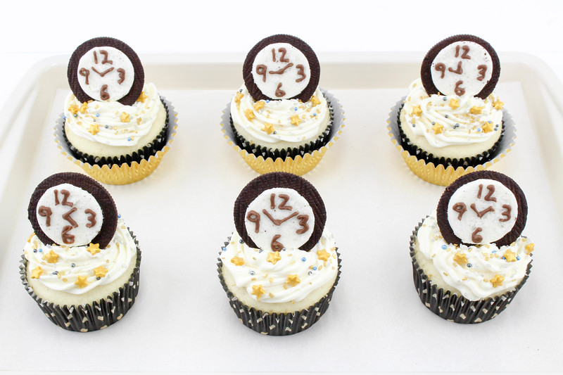 New Year's Eve Countdown Cupcakes 3.jpg