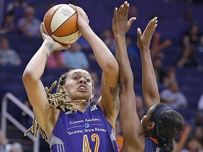 wnbas-brittney-griner-was-cyber-bullied-on-fathers-day
