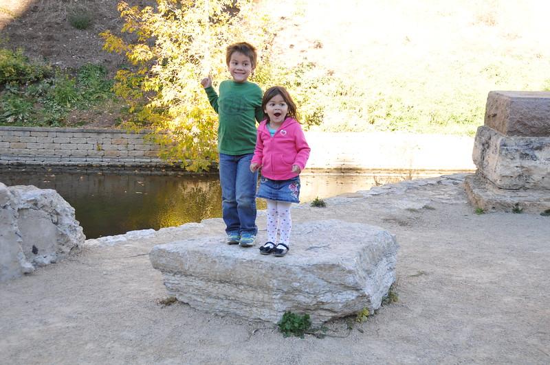 2014-10-25 Stone Arch Bridge 015.JPG