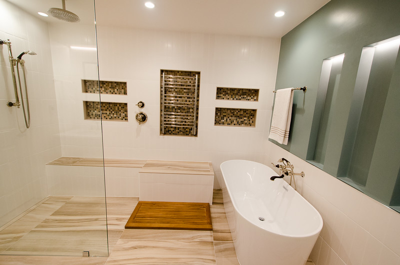 modern-glass-bathroom-011.jpg