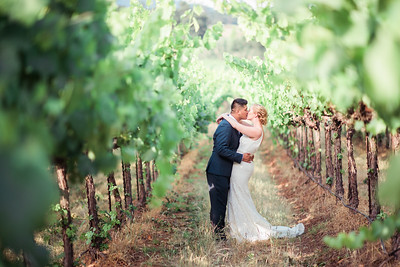 Vineyard Wedding | Lindsey and Mike | Seattle Wedding Photogrpaher
