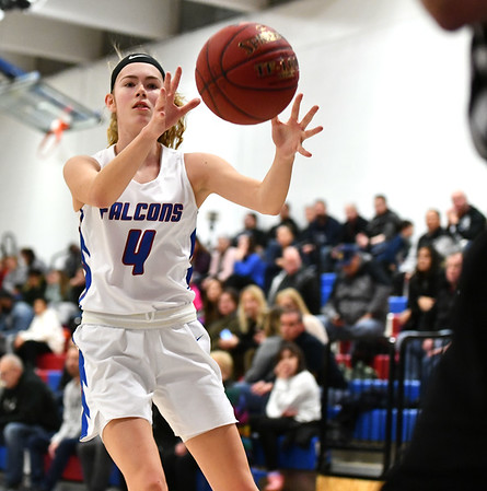 1/10/2020 Mike Orazzi | StaffrSt. Paul's Olivia Heslin (4) against Torrington at St. Paul in Bristol Friday night.