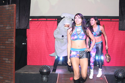 Isana & Skylar vs. Team Sea Stars (Ashley Vox & Jawslyn) with Delmi Exo