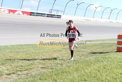 2.5 Mile Mark, D3 Girls - 2014 MHSAA LP XC Finals