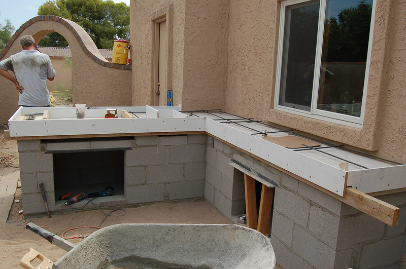 The concrete countertop is starting to take shape.