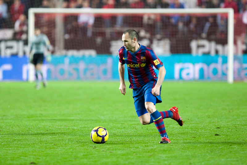 Andres Iniesta controlling the ball. Spanish Cup game between Sevilla FC and FC Barcelona, Ramon Sanchez Pizjuan stadium, Seville, Spain, 13 January 2010