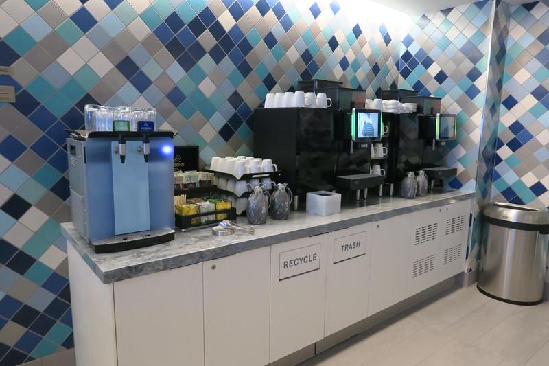 Amex Centurion Lounge at LAX (6).JPG