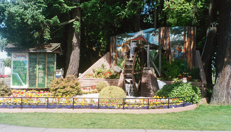 Next we visited Chemainus to see the world famous