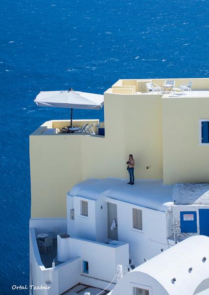 צלם על הגג.jpg