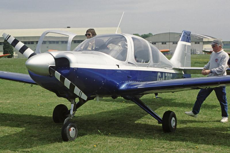 G-AZDG-BeagleB121Pup-Private-EGBP-2002-05-11-LH-18-KBVPCollection.jpg
