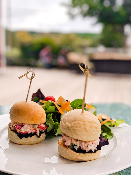 Gaspereau Winery lobster slider chicken sandwich.jpg