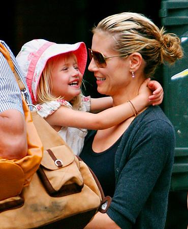 2008-07-05 - Heidi and family