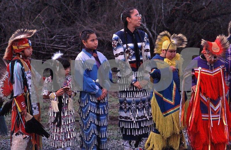 Nisqually Tribe dancers group 4.jpg