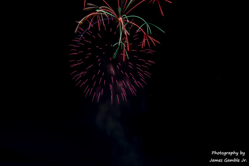Fourth-of-July-Fireworks-2016-0330.jpg