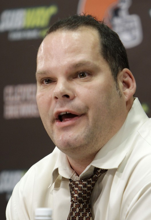 . Cleveland Browns general manager Tom Heckert answers questions during a draft night news conference at the NFL football team\'s headquarters in Berea, Ohio, Thursday, April 28, 2011. The Browns took Baylor defensive tackle Phillip Taylor with their first pick. (AP Photo/Mark Duncan)