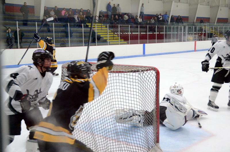 141005 Jr. Bruins vs. Springfield Rifles-070.JPG
