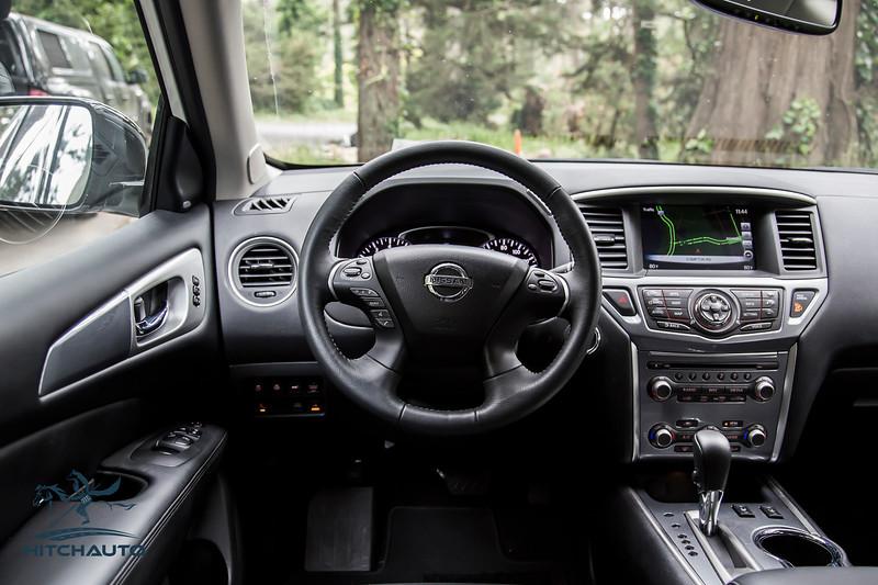 NissanPathfinderSL_White_XXXXXXX-8447.jpg