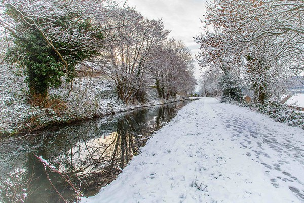 Snow on the canal through Risca